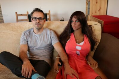 «Мы с женой создаем секс-роботов»