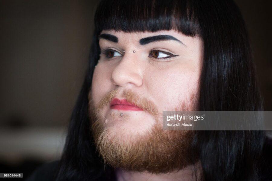 бородатая женщина Нова