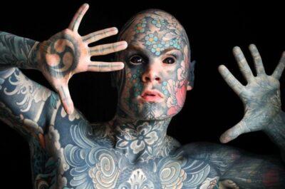 Самый татуированный школьный учитель в мире