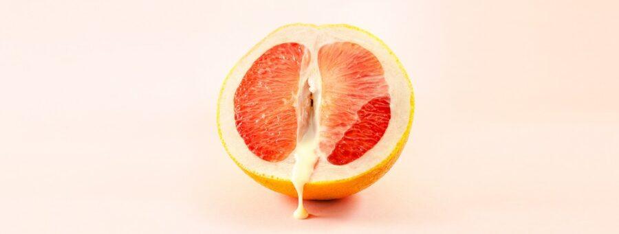 сгущенка на половинке апельсина