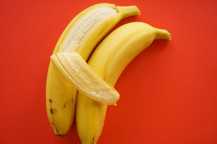 бананы обнимаются