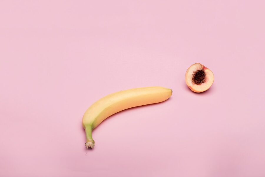 банан и персик