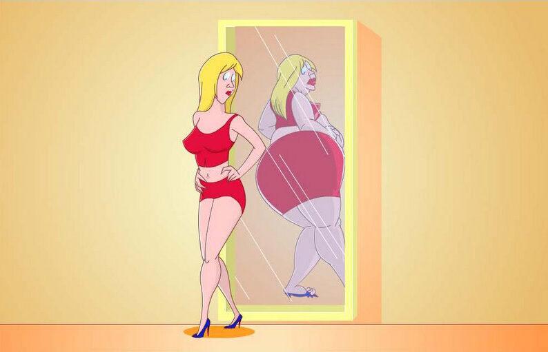 Толстая в отражении худая
