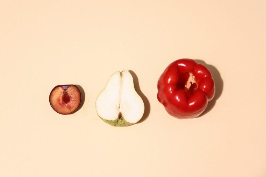 половинки фруктов