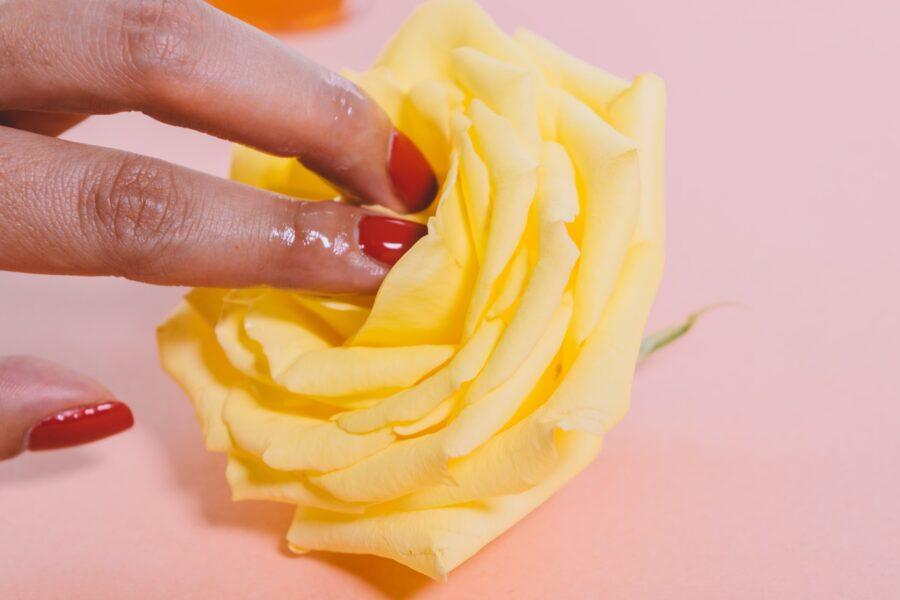 пальцы на розочке