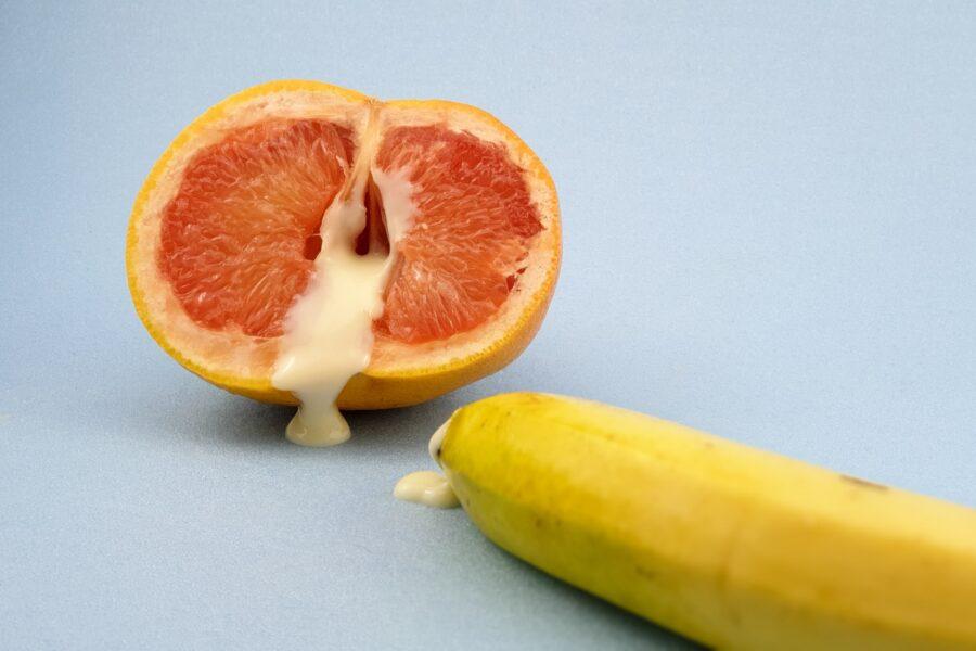 банан и апельсин со сгущенкой