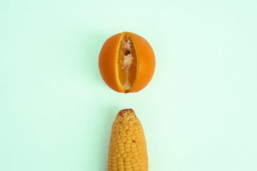 кукуруза и апельсин