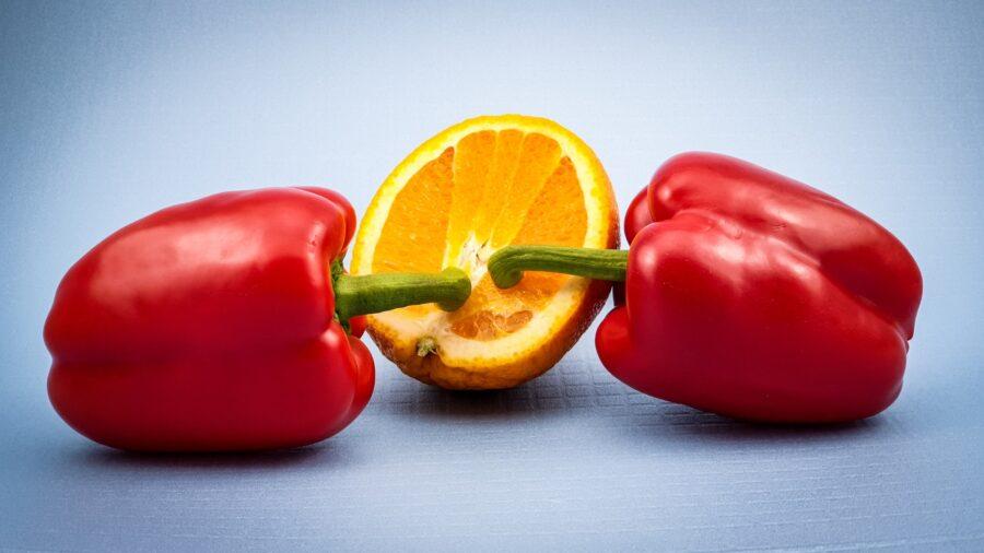 два перца и апельсинка
