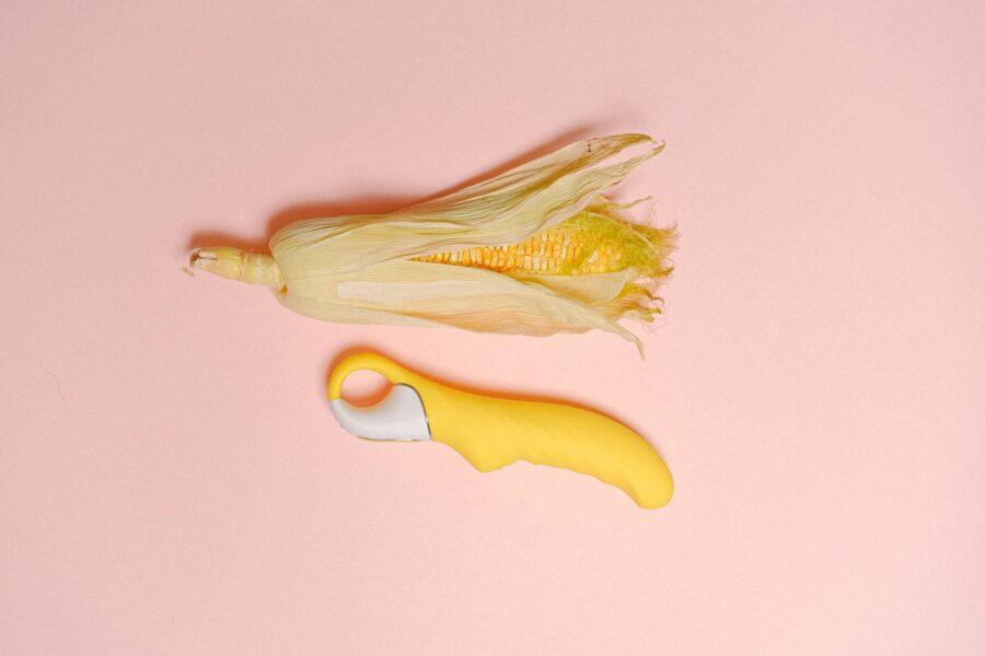 кукуруза и секс-игрушка