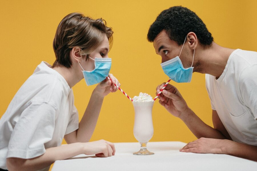 свидание в масках