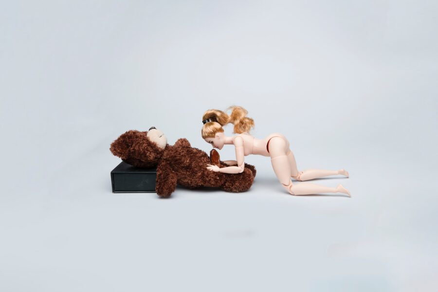игрушки занимаются сексом