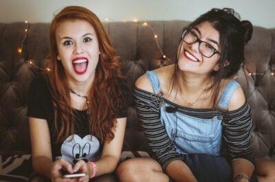 200 вопросов девушке для игры Правда или действие со списком пошлых