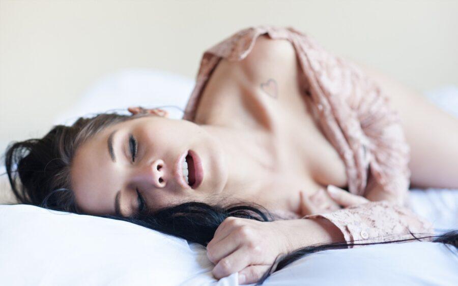 оргазм на лице