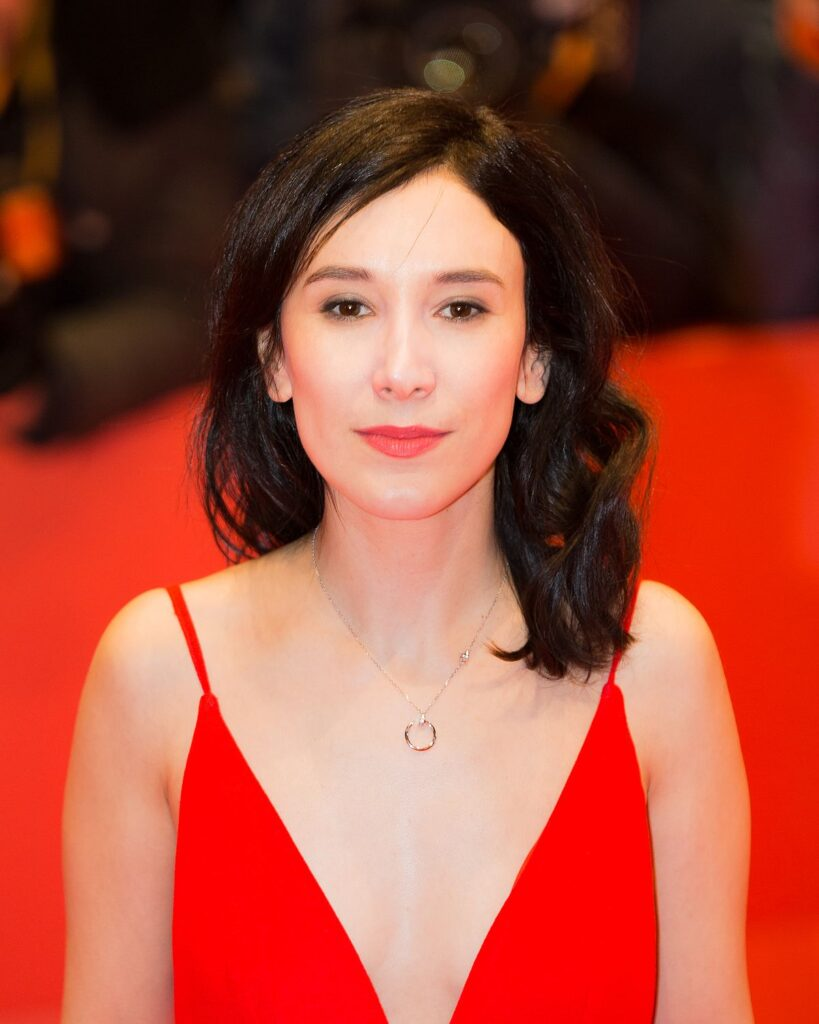 36 актрис из сериала Игра престолов с описанием ролей