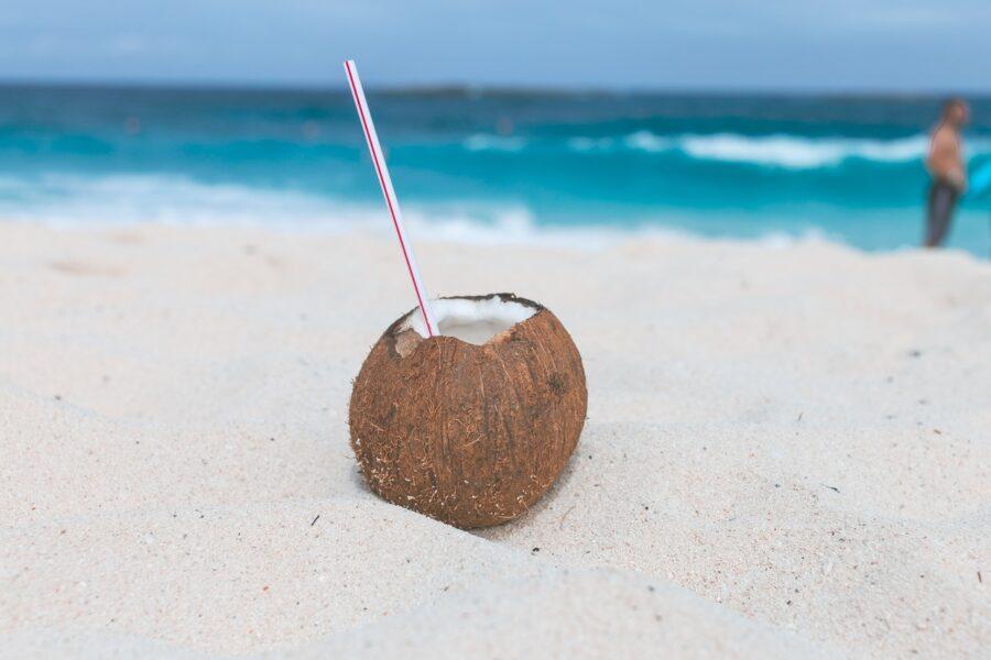 кокосик с трубочкой